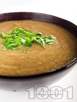 Постна веган гъбена крем супа с кафяви кралски печурки, карфиол и кимион - снимка на рецептата